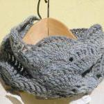 Dusty blue lace cowl - Croc..