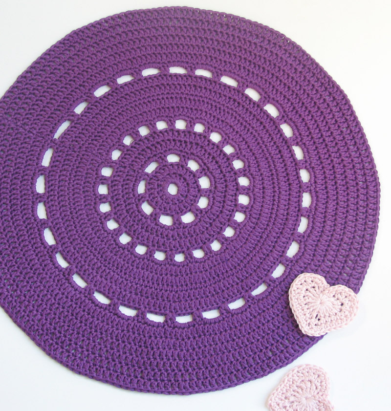 Purple shiny placemat - Doily series - cotton